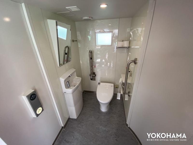 バリアフリートイレの内部