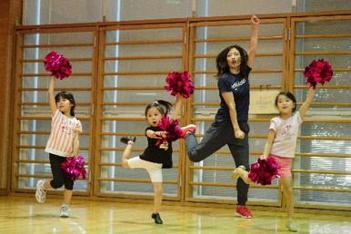 初心者の子どもたち対象にプロダンサーからダンスの楽しさを学ぶワークショップを横浜市内18区で実施! 参加申込は6/1(火)から受付開始