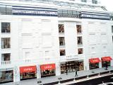 バーニーズ ニューヨーク横浜店   中華街周辺