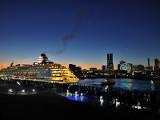 横浜港大さん橋国際客船ターミナル | 人気のロケ地を巡る